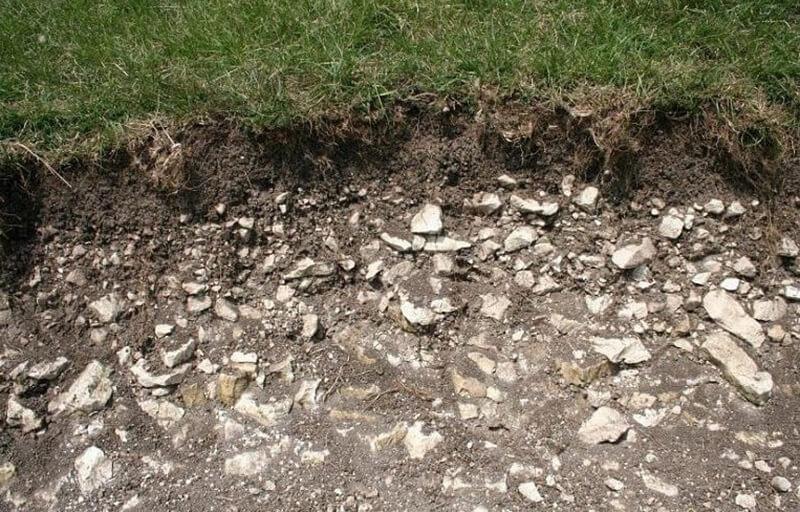 скалистый грунт